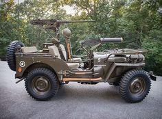 A Casa de Leilões Sotheby está oferecendo uma oportunidade para amantes de carros, raros, e historicamente significativos, oJeep 1951 Willys M38.Willys desenvolveu o M38 para atender ao exército norte-americano para a Guerra da C