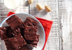 Home is Where the Heart is for World Heart Day! Quick Dark Chocolate Brownies - Ingredients, Inc. Healthy Dark Chocolate, Dark Chocolate Brownies, Dark Chocolate Chips, Baking Recipes, Dessert Recipes, Desserts, Easy Recipes, California Sandwiches, Best Sandwich Recipes