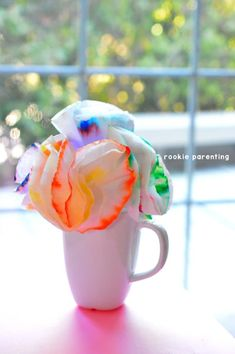 Use paper chromatography to make a beautiful coffee filter flower bouquet. Science Fair Projects, Science Experiments Kids, Science Art, Science For Kids, Science Ideas, Physical Science, School Projects, Art Projects, Preschool Science
