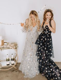 New Years Celestial Wedding Inspiration with Star Dresses for the Bridesmaids and Tons of Moon Designs inspiration glamour A Star is Born: Gold + Gilded Midnight Magic to Bring in the New Year - Green Wedding Shoes V Neck Prom Dresses, Sexy Dresses, Evening Dresses, Bridesmaid Dresses, Formal Dresses, Wedding Dresses, Casual Dresses, Sparkly Dresses, Wedding Bridesmaids