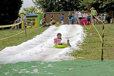 """Last Saturday, May 5th, was the Carrboro Elementary School Fair and my daughter, alias """"Zoomer"""" and I couldn't wait to go! For over 30 years, this has been one of the best community events in Carrboro, NC, and it just gets better every year! http://www.chapelhillrecorder.com/cesfair"""