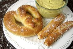 Homemade Auntie Anne's Pretzels ~ I MUST try these