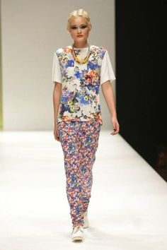 Dreamy Embellishments and Pops of Colour for Melbourne Spring Fashion Week 2014 Runway Three