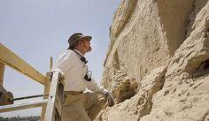Arheologii descoperă cele mai vechi hieroglife egiptene monumentale