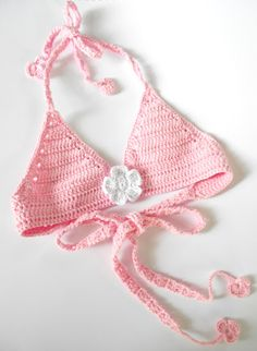 Crochet Swimwear Crochet bikini for 4 years old baby girl Discovred by : Chiêu Firefly Crochet Crochet Halter Tops, Crochet Baby Bikini, Crochet Baby Jacket, Bikinis Crochet, Crochet Bikini Pattern, Baby Girl Crochet, Crochet For Kids, Top Tejidos A Crochet, Crochet Baby Costumes