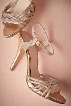 Gold wedding shoes: bridesmaid shoes