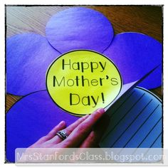 $ A great Mother's Day gift straight from the heart! This unit comes with flower templates to copy or trace onto colored paper. Students will use their scissors, glue, and pencils to complete their beautiful writing creativity for mom, grandma, or aunt!