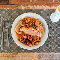 Moqueca de Polvo Caldeirada de Frutos do Mar e Risoto de Abóbora e Carne Seca no@resortlatorre em #PortoSeguroBahia.E o que falar de um prato destes?Uma delícia sem igual! - -- - -- - @portosegurobr @resorts.brasil  #resortlatorre #VemProLaTorre #VemSerFelizNoLaTorre #ApaixonadosPorLaTorre #ExperiênciaLaTorre #partiulatorre #VivaEssaExperiência #PartiuFérias #ResortAllInclusive #blogueirorbbv #MTur #ViajePeloBrasil #DicasdeDestino #BelezasdoBrasil #viagem #ComerDormirViajar  #wes2travel…