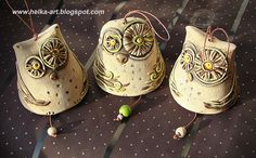 Inexpensive, elegant and versatile, pottery is a worthwhile addition to your home, and you should definitely consider getting some for your interior design project. Pottery is used to decorate diff… Ceramic Owl, Ceramic Animals, Ceramic Mugs, Ceramic Pottery, Pottery Handbuilding, Clay Birds, Owl Ornament, Chicken Art, Pottery Classes