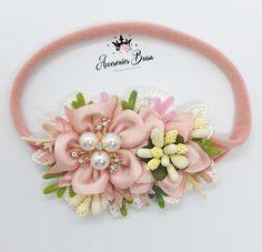 Floral Headbands, Newborn Headbands, Baby Flower Crown, How To Make Bows, Shabby Chic, Brooch, Gym, Flowers, Handmade