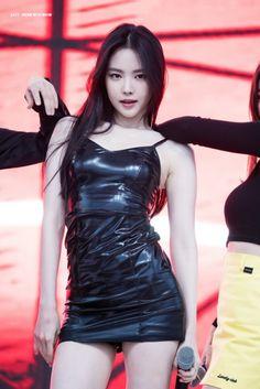 Best 10 Top 10 Sexiest Photos of Tiffany Young! Korean Beauty, Asian Beauty, Moda Kpop, Looks Pinterest, Apink Naeun, Look Girl, Brunette Girl, Cute Asian Girls, Asian Cute
