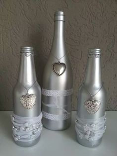 """- """" The Effective Pictures We Offer You About trends pins A quality picture can tell you many thin - Glass Bottle Crafts, Wine Bottle Art, Painted Wine Bottles, Diy Bottle, Bottles And Jars, Glass Bottles, Bling Bottles, Garrafa Diy, Vase Deco"""