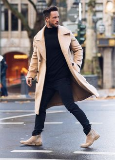 Chelsea boot is definitely a nice solution for every man out there who want to look trendy, casual, classic and fashionable. Formal Winter Outfits, Winter Outfits Men, Mode Outfits, Fashion Outfits, Fashion Clothes, Streetwear, Mode Man, Gentleman Style, Men Looks
