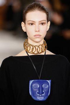 Loewe Fall 2016 Ready-to-Wear Fashion Show Details