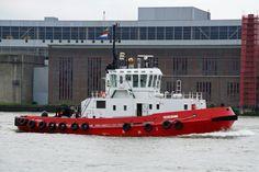 http://koopvaardij.blogspot.nl/2017/06/3-juni-2017-op-de-nieuwe-maas-te.html    3 juni 2017 op de Nieuwe Maas te Rotterdam, nu helemaal in het rood de TEXELBANK