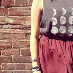 High waisted circle skirts make graphic tops look a lot more fancy!