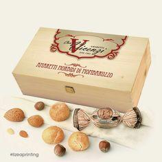 Confezione in legno edizione limitata con personalizzazione vintage #lizeaprinting #design #packaging #printing