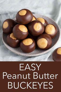 Brownie Desserts, Köstliche Desserts, Delicious Desserts, Dessert Recipes, Baking Brownies, Bon Dessert, Oreo Dessert, Peanut Butter Buckeyes, Chocolate Buckeyes