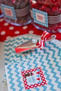 Use chevron treat bags dressed with stickers so guest can take home cookies or treats.