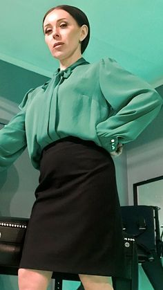 Pias Satin World Satin Blouses, Shirt Blouses, Sexy Blouse, Office Fashion, Blouses For Women, Sexy Women, Beautiful Women, Silk, People