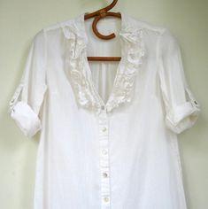 Vintage Poet Shirt White shirt Ruffled V-neckline Roll up | Etsy Vintage Shirts, Vintage Outfits, Poet Shirt, Roll Up Sleeves, Side Split, Boho Tops, Vintage Inspired, Tunic Tops, Neckline