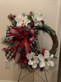 Christmas Wreath By Janet's Creations Magnolia Wreath, Diy Wreath, Creative Crafts, Christmas Wreaths, Floral Wreaths, Magnolias, Holiday Decor, Crown Flower, Flower Crowns