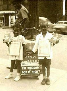 As time changed for Jehovah Witness Public Witnessing, Jw Humor, Better Days Are Coming, Bible Truth, Jehovah's Witnesses, Happy People, Worship, Religion, Spirituality