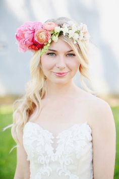Rustic Bohemian Wedding Inspiration: http://www.stylemepretty.com/little-black-book-blog/2014/08/25/rustic-bohemian-wedding-inspiration/ | Photography: Kay English - http://www.kayenglishphotography.com/