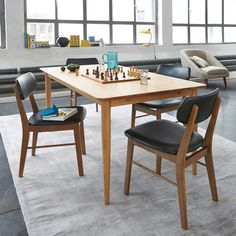 Chaise vintage : 21 modèles esprit rétro Chaise Panton, Watford, Kitchen Shop, Chaise Vintage, Mousse, Dining Table, Furniture, Home Decor, Folding Chair