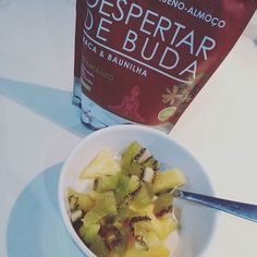 #breakfast #pequenoalmoço #despertardebuda #trabalhodamãe #eatwell #fitmum - chiaamendoamacabaunilha -despertamos o buda que há em mim!? ( # @sonhosdelua)