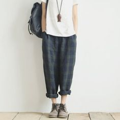 Retro literary lattice significantly thin checkered trousers leisure loose linen pants Checkered Trousers, Wide Trousers, Tartan Pants, Creation Couture, Sartorialist, Linen Pants, Diy Clothes, Casual Outfits, Casual Clothes