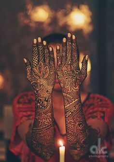 Explore latest Mehndi Designs images in 2019 on Happy Shappy. Mehendi design is also known as the heena design or henna patterns worldwide. We are here with the best mehndi designs images from worldwide. Latest Bridal Mehndi Designs, Dulhan Mehndi Designs, Mehndi Design Pictures, Wedding Mehndi Designs, Unique Mehndi Designs, Beautiful Mehndi Design, Mehndi Images, Henna Tatoos, Henna Mehndi