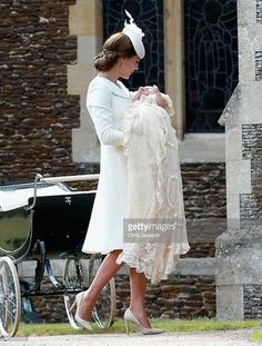 Kate & Pippa Style on Twitter:  Duchess of Cambridge with her daughter Princess Charlotte