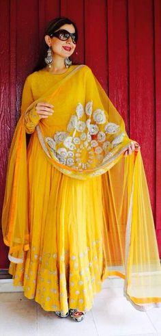 Yellow punjabi designer suit #punjabisuitsdesigns2014 #punjabisuitsdesignsimages #punjabisuitsdesignslatest