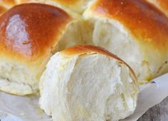 Bread Recipes, Cake Recipes, Cooking Recipes, Halloumi Burger, Romanian Food, Hot Dog Buns, Deserts, Brunch, Food And Drink