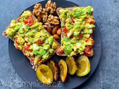 Tip na snídani plnou mikroživin, vlákniny a zdravých tuků, která je díky cibuli, česneku a chilli vlastně i tak trochu antibiotická :) Avocado Toast, Breakfast, Food, Meal, Eten, Meals, Morning Breakfast