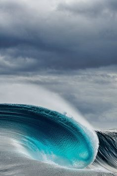 highenoughtoseethesea: Solid swell in the middle of nowhere, WA. Photo: Andrew Semark