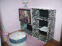 Young Mama Crafts: I'M DONE! DIY Barbie House