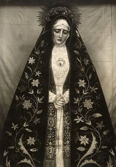 """allaboutmary: """"Virgen de la Soledad A statue of Our Lady of Solitude in Toledo, Spain. Blessed Mother Mary, Blessed Virgin Mary, Virgin Mary Art, Virgin Mary Statue, Madonna, Religious Icons, Religious Art, Photo Images, Art Images"""