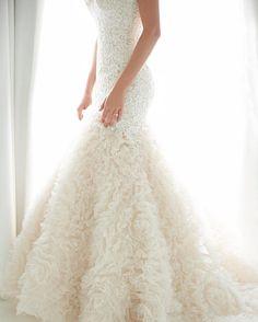 a97a98e30e31d Here s a little lace and ruffle to brighten your Thursday morning. Wedding  Dreams