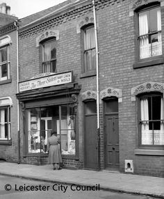 Three Sisters, Leicester, History, Historia