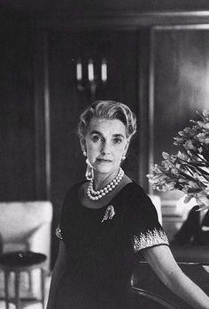 Barbara Hutton    wearing her Cartier tiger clip brooch created in 1957 – Jon Brennels