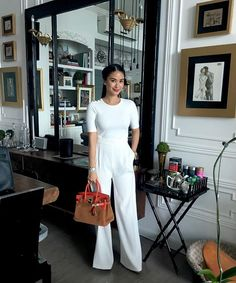 Business Professional Dress, Professional Dresses, New Fashion Trends, Fashion Tips For Women, Fashion Blogs, Workwear Fashion, Office Fashion, Heart Evangelista Style, Chic Outfits
