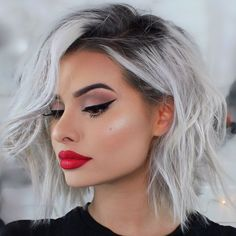 Silver Grey Bob Wig With Lace Front - Pixie Bob Frisuren Cute Short Haircuts, Trendy Hairstyles, Grey Haircuts, Straight Haircuts, American Hairstyles, Bob Haircuts, Popular Hairstyles, Curly Hair Men, Curly Hair Styles