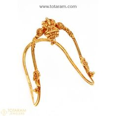 Buy Online of Gold Arm Cuff and Upper Arm Bracelet, Gold Arm Vanki and gold ara vanki designs, gold Armlet and Upper Arm Cuff - Indian Gold Jewelry - Buy Online Vanki Designs Jewellery, Jewelry Design Earrings, Gold Earrings Designs, Necklace Designs, Stud Earrings, Dainty Gold Jewelry, Baby Jewelry, Jewelry Sets, Jewelry Making