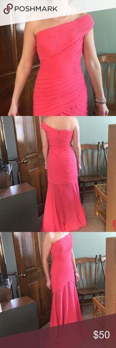 One shoulder - coral formal dress! Fits like a 4! Fits like a size 4! Like new - worn once! Dresses Asymmetrical