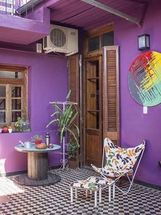 9 Awesome Ways To Up Your Balcony Wall Decor Patio Interior, Interior Design, My Ideal Home, Deco Boheme, Outdoor Spaces, Outdoor Decor, Inspired Homes, Bohemian Decor, House Colors