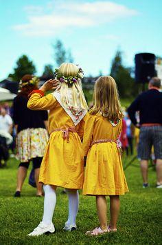 midsommar celebration i tällberg by > ^.^ <, via Flickr