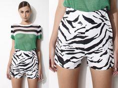Daslu verão 2014 em http://www.tida.com.br/daslu-do-dia-short-zebra/