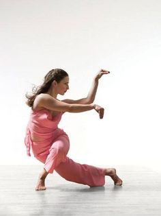 Yoga Poses - Shaolin white crane kung fu style - just how amazingly cool this women is---wow
